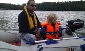 Vilma och jag i lillbåten